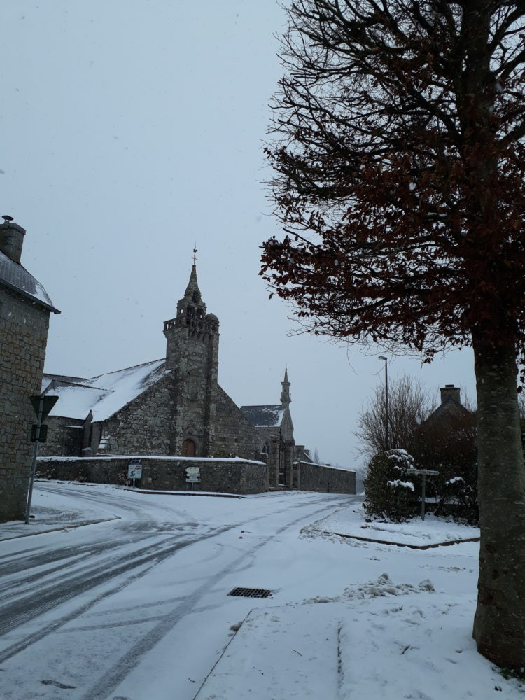 église neige route